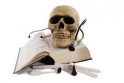 medycyna estetyczna; kwas halironowy; powikłania; komplikacje;